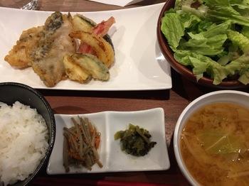 2016Oct28-Lunch - 1.jpg